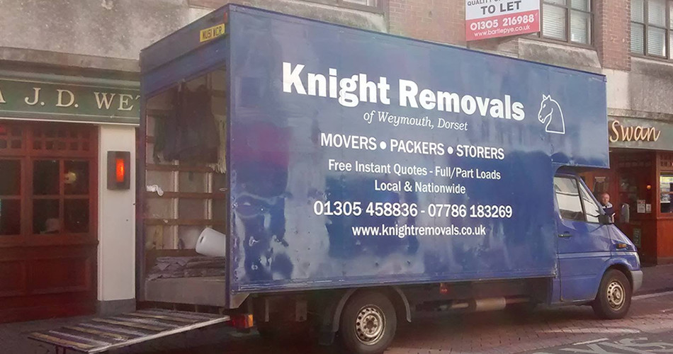 knight home removals van